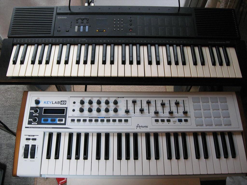 上:DTMキーボード 下:KeyLab49